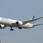 United Airlines Boeing 787-9 Dreamliner N15969 thumbnail
