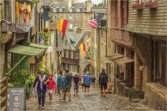 DINAN  -  BRITTANY (bruno.suignard1) Tags: dinan médiéval old oldcity city town ville cotesdunord brittany bretagne street rue people brunosuignard france