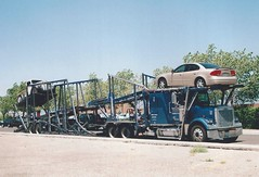 Freightliner Classic car carrier (PAcarhauler) Tags: carcarrier freightliner semi truck trailer tractor