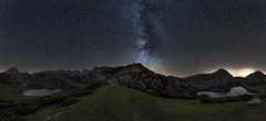 Entrelagos (Marce Alvarez.) Tags: nocturna largaexposicion milkyway vialactea estrellas stars lagosdecovadonga asturias nikon nightlandscape picosdeeuropa