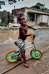 Felicidade. Jardim Gramacho, Rio de Janeiro (femeneses2) Tags: criança child slum riodejaneiro comunidade favela