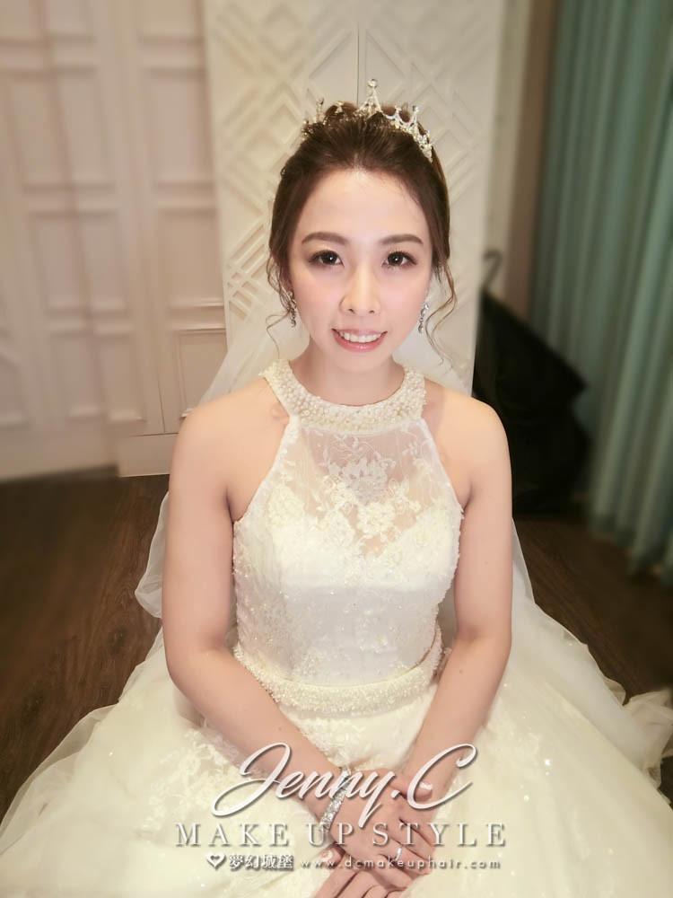 【新秘蓁妮】bride詩涵 結婚造型 / 彰化皇潮鼎宴禮宴會館