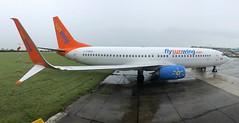 C-FWGH (Dub ramp) Tags: cfwgh boeing 737 b737 b737800 b738 eidw dub dublin airport sunwings tui
