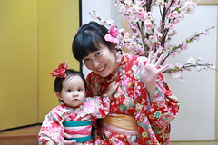 IMG_6800M Say hello to uncle! (陳炯垣) Tags: innocence joy childhood child children girl kid cute smile family