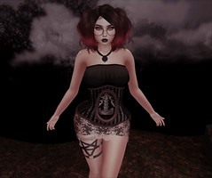 Shivers up my spine... (☾☾Ṁṣ Ṃȭłłỳ ☽☽) Tags: secondlife hot cute sexy mesh beauty fashion cutie portrait sweet catya catwa lara maitreya me selfie alone justme dark goth spine bones halloween