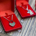 Jewelry heart with sign: Please return to love thumbnail