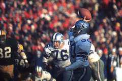 That Trendy Trick Play? The N.F.L. Has Been Doing It for Decades (kwaqas504) Tags: bbc news world ccn new york times