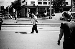 step by step (gato-gato-gato) Tags: 35mm contax contaxt2 iso100 ilford ls600 noritsu noritsuls600 schweiz strasse street streetphotographer streetphotography streettogs suisse svizzera switzerland t2 zueri zuerich zurigo analog analogphotography believeinfilm film filmisnotdead filmphotography flickr gatogatogato gatogatogatoch homedeveloped pointandshoot streetphoto streetpic tobiasgaulkech wwwgatogatogatoch zürich ch black white schwarz weiss bw blanco negro monochrom monochrome blanc noir strase onthestreets mensch person human pedestrian fussgänger fusgänger passant sviss zwitserland isviçre zurich autofocus