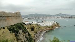 Ibiza (santiagolopezpastor) Tags: espagne españa spain islasbaleares illesbalears isla eivissa baleares patrimoniodelahumanidad worldheritage unesco daltvila mar sea muralla walls wall murallas renacimiento renacentista renaissance