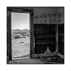 hard life • rhyolite, nv • 2018 (lem's) Tags: hard life mattress lit bed door porte desert rhyolite nv nevada ghost town ville fantome ruins ruines cabin cabane rolleiflex t