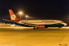 Air Bucharest YR-TIB (U. Heinze) Tags: aircraft airlines airways airplane planespotting plane nikon night nightshot haj hannoverlangenhagenairporthaj eddv flugzeug