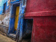 Primary Colors Jodhpur (shapeshift) Tags: in asia bluecityjodhpur colorful davidpham davidphamsf documentary door india iphone iphonephoto iphonephotography iphonex iphonexphoto iphonexphotography jodhpur primary primarycolors rajasthan shapeshift shapeshiftnet southasia street streetphotography thebluecity travel window