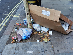 Charing Cross Road. 20181019T15-38-29Z (fitzrovialitter) Tags: england gbr geo:lat=5151062000 geo:lon=012838000 geotagged leicestersquare stjamessward unitedkingdom peterfoster fitzrovialitter city camden westminster streets urban street environment london fitzrovia streetphotography documentary authenticstreet reportage photojournalism editorial daybyday journal diary captureone olympusem1markii mzuiko 1240mmpro microfourthirds mft m43 μ43 μft ultragpslogger geosetter exiftool rubbish litter dumping flytipping trash garbage