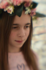flowercrown and a lensbaby (larakitten27) Tags: nikon d5300 lensbabyspark spark lensbaby pink soft blur blurred blurry flowers flower flowercrown crown headband girly daughter girl