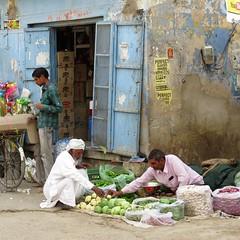 mandawa 2017 (gerben more) Tags: mandawa streetscene streetlife vegetables rajasthan india people market