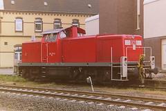 DB 294170-4 (bobbyblack51) Tags: db class 294 deutz bb heavy duty shunter diesel locomotive 2941704 2901700 stolberg stabling point 2001