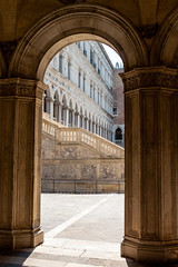 Dogal Palace Arch (theseBoetz) Tags: venezia unesco stairs building medieval palazzoducale arches italy venice architecture italia dogespalace monuments renaissance dogalpalace