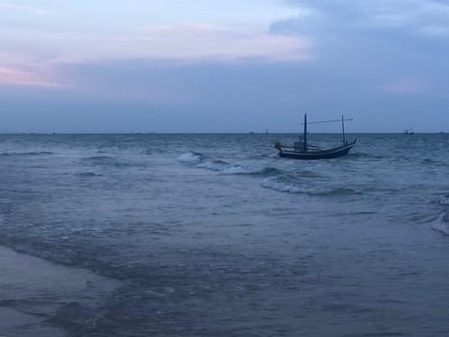 WARM EVENING BEACH ... Hua Hin, Thailand