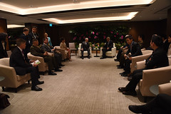 181018-D-BN624-0161 (Secretary of Defense) Tags: ussecretaryofdefensejamesnmattis jamesmattis jimmattis singapore'sministerofdefencengenghen aseandefenseministers'meeting singapore defmin
