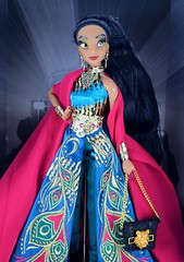 2018 Jasmine Disney Designer Collection Premiere Series Doll - Disney Store Purchase - Boxed - Inner Box - Uncovered - Midrange Front View (drj1828) Tags: disneystore disneydesignercollection premiereseries 2018 jasmine doll collectible 1112inch limitededition le4000 instore purchase boxed opened