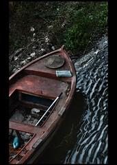 * (PattyK.) Tags: ioannina giannena giannina epirus ipiros balkans hellas ellada greece grecia griechenland mycity whereilive snapseed nikond3100 ιωάννινα γιάννενα ήπειροσ ελλάδα βαλκάνια ευρώπη ηπόλημου λίμνη παμβώτιδα λίμνηπαμβώτιδα λίμνηιωαννίνων νερό δίπλαστηλίμνη παραλίμνιο μώλοσ lake pamvotida lakepamvotida ioanninalake lakeside lakefront waterfront bythelake water boat redboat κόκκινο βάρκα