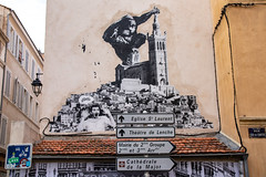 king kong (Rasande Tyskar) Tags: marseille le panier street art streetart strasenkunst kunst urban sticker stencil graffiti graffito france king kong notre dame de la garde