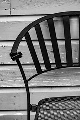2018 - photo 262 of 365 - garden chair in the fall (old_hippy1948) Tags: chair monochrome