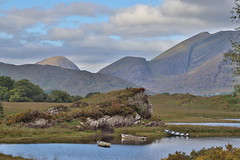 Mountains and boats (Ros and Ali) Tags: ireland wildatlanticway