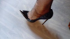 escv (21) (grandmacaon) Tags: highheels hautstalons escarpins sexyheels lowcutshoes toescleavage