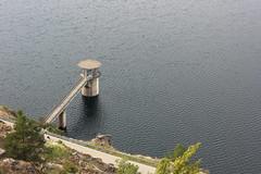 Torre de toma (alvaro.foto) Tags: torre embalse pantano atazar madrid