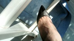DSC_0490 (grandmacaon) Tags: highheels hautstalons toescleavage talonsaiguille lowcut lowcutshoes sexyheels stilettos
