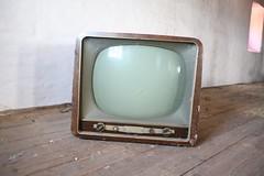 Anglų lietuvių žodynas. Žodis educational television reiškia švietimo televizija lietuviškai.