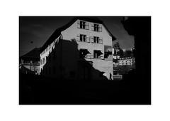 Luzern (SinoLaZZeR) Tags: 卢塞恩 瑞士 欧洲 黑白 街头摄影 人物 人影 luzern lucerne schweiz switzerland street streetphotography schwarzweiss streetlife blackwhite blackandwhite bw bnw monochrom monochrome cityscapes city urban urbanlife architecture fujifilm fuji finepix fujinon xpro2 23mm fujinonxf23mmf2 noiretblanc