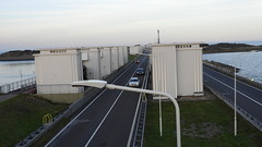DSCN8803 (DutchRoadMovies) Tags: stevinsluizen afsluitdijk den oever a7 rijksweg ijsselmeer waddenzee bridge lake freeway motorway water sea locks