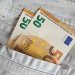 Money in pocket thumbnail