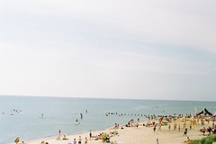 F2620023 (miglebeatrice) Tags: filmphotography film filmcamera 35mm sea beach seaside colour color road