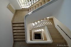 Viereck (Sockenhummel) Tags: treppe treppenhaus staircase stairwell escaliers architektur quadrat viereck stufen steps berlin architecture fuji xt10