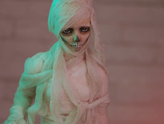 mu050 (here.heidin) Tags: bjd bjdgirl dollmore zaoll gumijung luv balljointed doll bandage mummy spooky