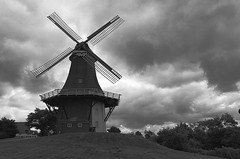 Greetsiel_001 (rhomboederrippel) Tags: rhomboederrippel fujifilm xe1 june 2018 europe germany lowersaxony greetsiel eastfrisia ostfriesland bw monochrome windmill clouds astoundingimage