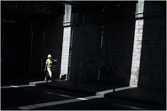 . (an to nin) Tags: lyon brotteaux luimière pont trait sombre street rue