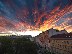 project365-180923 | Sunset Drama (Johannes Ortner) Tags: countrycodeat himmel sonnenuntergang wien wolken aphotoaday pictureaday project365 österreich sonne at