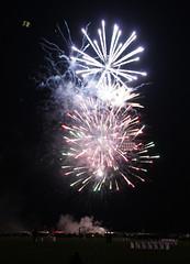 2010-08-14 Drachenfest Lemwerder (14) - Feuerwerk (mike.bulter) Tags: deu deutschland drache drachen drachenüberlemwerder drachenfest drachenfestlemwerder2010 feuerwerk fireworks kite kitefestival kitefestivallemwerder2010 lemwerder nachtflugshow niedersachsen ritzenbüttel