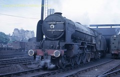 Dundee 60530 (Ernies Railway Archive) Tags: nbr lner lms cr scotrail dundeestation