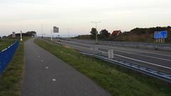 DSCN8818 (DutchRoadMovies) Tags: stevinsluizen afsluitdijk den oever a7 rijksweg ijsselmeer waddenzee bridge lake freeway motorway water sea locks