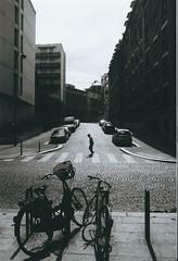 1. Alignés (artnoir) Tags: photo noir et blanc 1 2 3 4 5 6 7 8 10 9 13 swag black white paris arrondissement ville street old bricks