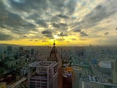 夕陽台北市 Taipei City (Lin Honglin) Tags: sunrise sunset photography taiwan taipeicity cloud sky 台灣 台北市 夕陽 夕照 雲彩 天空