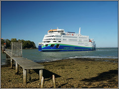 Victoria of Wight (Jason 87030) Tags: victoriaofwight flagshiw wightlink water sea ocean ship boat new latest service solent fishbourne beach pier walkway wood wooden vessel grand elegant environmental energy hybrid holiday break vacatiuon uk england cool island iow isleofwight october 2018 scene ferry royal route boarding lounge electricity funnel bridge system scheme transportation greener era