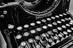 QWERTY. (Ian Ramsay Photographics) Tags: australianapioneervillage wilberforce newsouthwales australia typewriter police station underwood underworld download data transcribed exhibition museum historical history relic qwerty camera canoneos200d photograph
