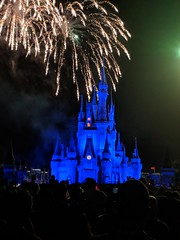 Magic Kingdom (coconut wireless) Tags: f2018tpt cinderellacastle disney fireworks florida lakebuenavista magickingdom mickeysnotsoscaryhalloweenparty orlando themepark waltdisneyworld wdw