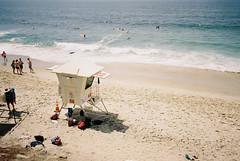 Laguna Beach (cranjam) Tags: ricoh gr1 gr1v film kodak ektar100 usa unitedstatesofamerica california lagunabeach ocean oceano pacificocean oceanopacifico beach spiaggia lifeguardtower statiunitidamerica